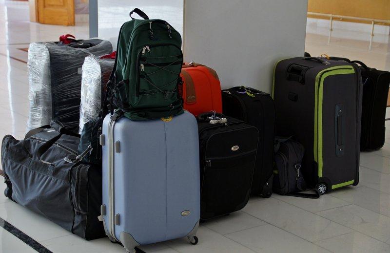 cestování, kufr, balení kufru, seznam věcí, zavazadla