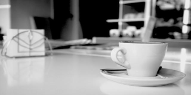 Káva skofeinem chrání před Alzheimerovou nemocí