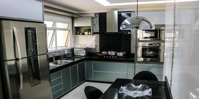 uchovávání potravin, bydlení, kuchyň, elektrospotřebiče, chladnička, kombinovaná chladnička