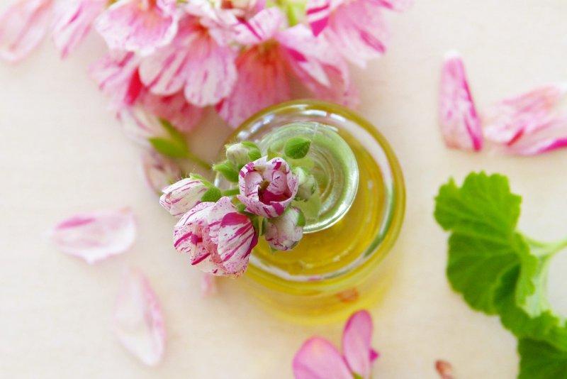 oleje, mandlový olej, kokosový olej, olivový olej, konopný olej, makový olej, přírodní kosmetika