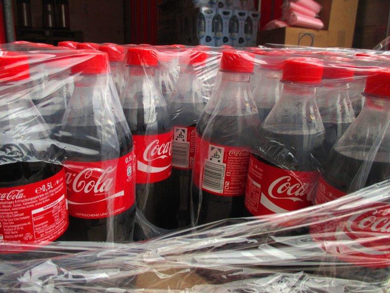 Coca-Cola, vodní kámen, toaleta, WC, usazeniny