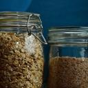 Jak zabránit nepořádku a chaosu ve skříni na potraviny?