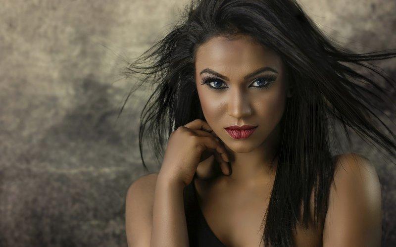 konturování, strobing, make-up, líčení obličeje, krása, dekorativní kosmetika