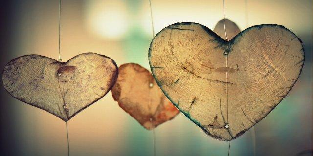 láska, manželství, polyamorie, výchova dětí, vztahy