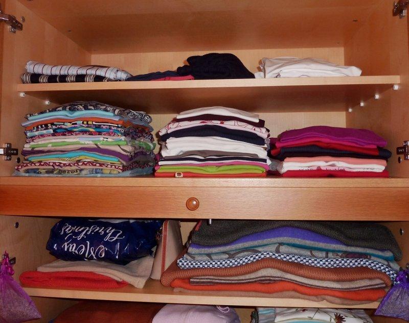 skříň, úložný prostor, nábytek, oblečení, obuv, módní doplňky