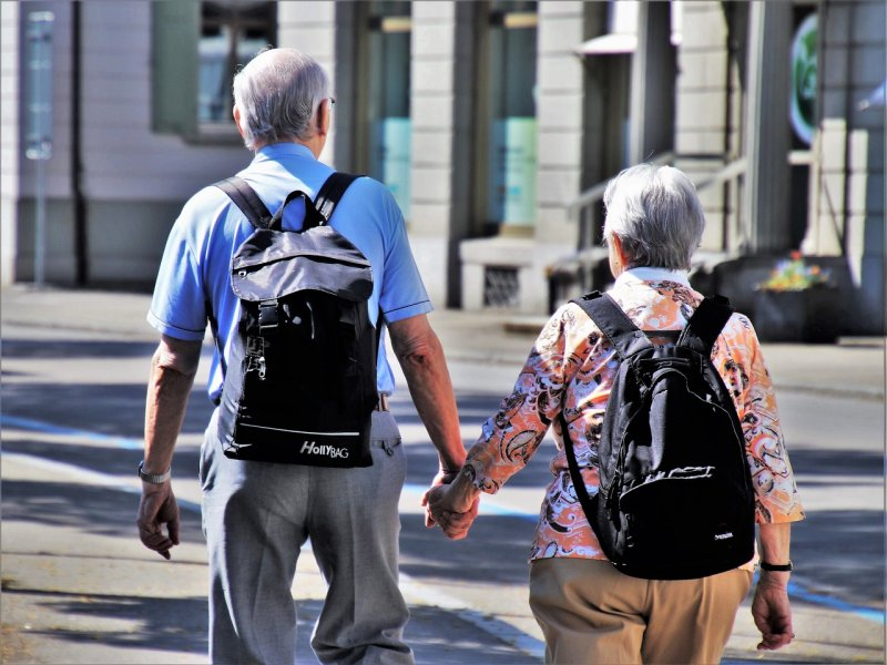 věk, senoři, sny, zájmy, práce, vztahy, přátelé, vzdělávání, učení, kluby