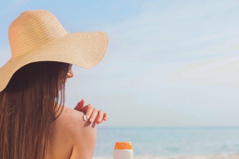 opalování, péče opleť, léto, pěstící kosmetika