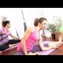 Jak cvičit jógu – cviky na kyčle a kříž - video