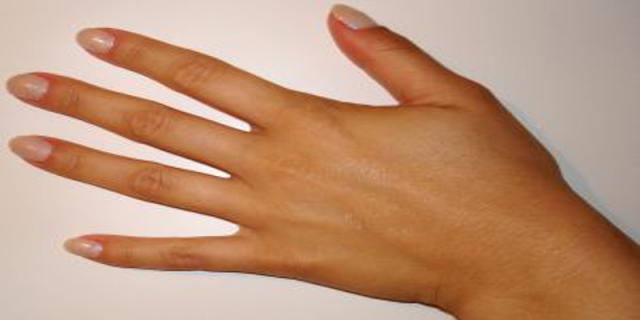 Umělé nehty - cesta kekrásným rukám