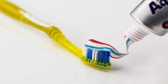 zuby, dentální hygiena, zdraví, čištění zubů