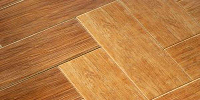 bydlení, podlahy, dřevěné podlahy, parkety, broušení parket