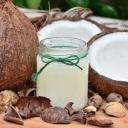 Kokosový olej není vhodný pro všechny, ale zdravotní benefity zcela určitě má!