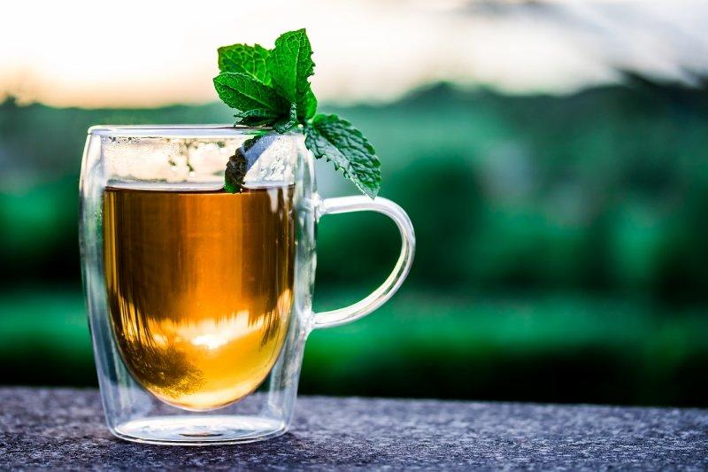 máta peprná, zdraví, osvěžení, mátový čaj, mátový dezert
