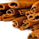 Skořice podporuje zdravé kosti, posiluje imunitu a stabilizuje krevní cukr