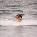 Dovolená s adrenalinem? Zkuste surfing na vlnách známých destinací!