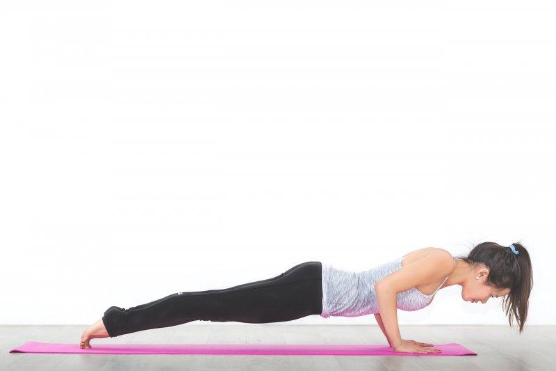 mládnutí, cviky, cvičení, večerní cvičení, spánek