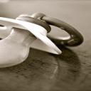 Syndrom náhlého úmrtí kojence a k čemu je dudlík a monitorovací podložka