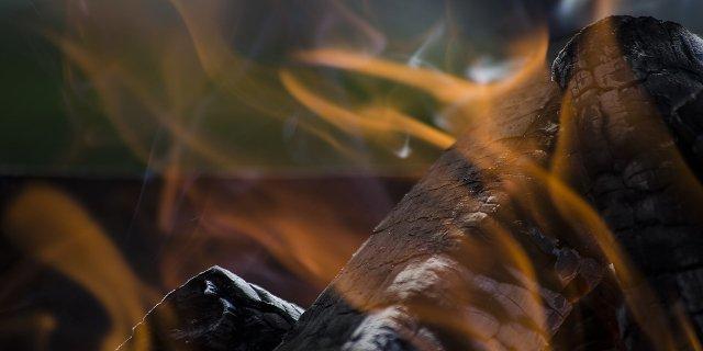 topení, krbová vložka, dřevo, energie
