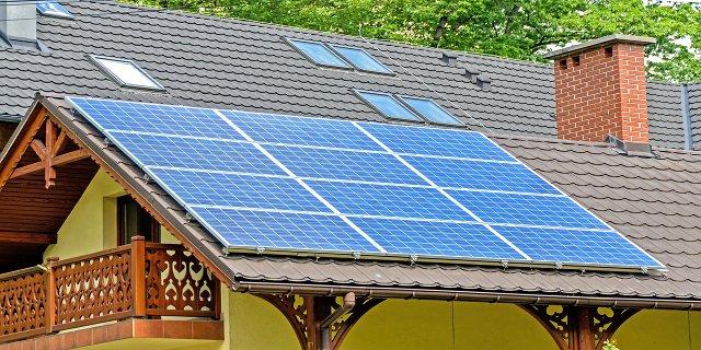 topení, obnovitelné zdroje, solární panely