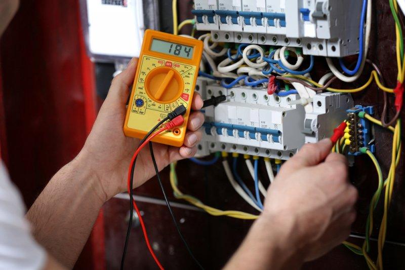 bydlení, energie, jističe, spotřeba elektrické energie