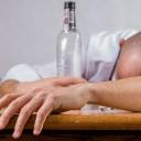 Alkohol je třeba zařadit do slovníku dětí, ale jen tam by měl dlouhá léta i zůstat!