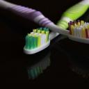 Děti ve věku do osmi let potřebují při čištění zubů dohled