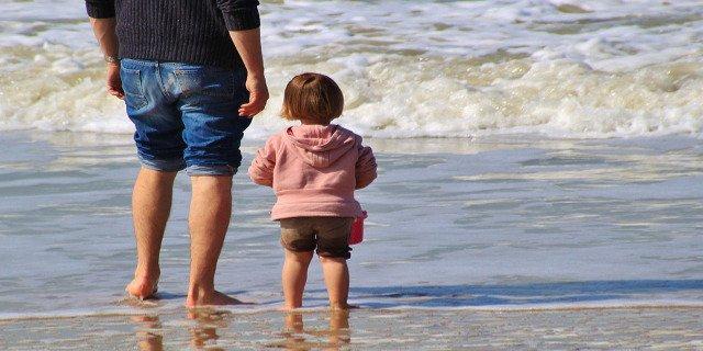 dovolená smalými dětmi, dovolená, rodiče, děti, letecká dovolená, hotel, animační programy