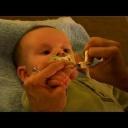 Ostříhejte správně nehty miminkům .- video