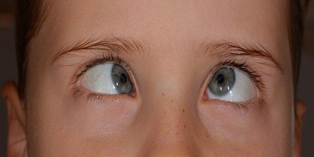 děti, zdraví dětí, oči, péče ooči, ochrana očí, brýle, počítač, televize