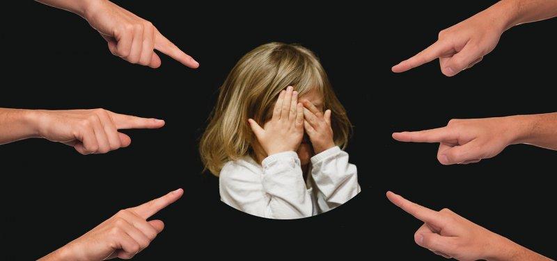 šikana, děti, zdraví dětí, duševní zdraví, výchova dítěte