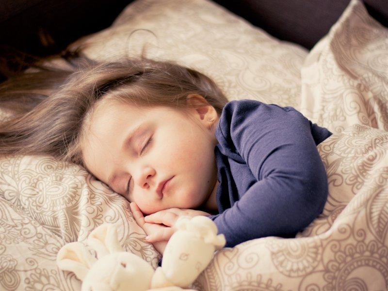 usínání , spánek, děti, výchova dětí, rodiče, dětský pokoj