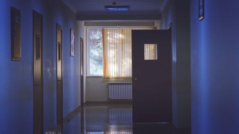 malování bytu, barevný strop, byt, dům, bydlení