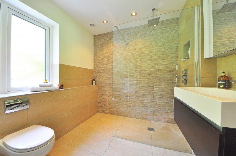 bydlení, koupelna, obklady, dlažba
