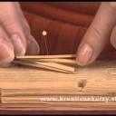 Jak si vyrobit vánoční ozdoby ze slámy a včelích plástů - video