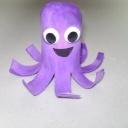 Z ruličky toaletního papíru originální chobotnice - video