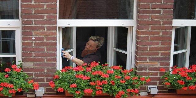 okna, umývání oken, domácí práce, úklid