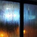 Příčiny rosení oken v interiéru