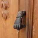 Vchodové dveře - dřevěné, skleněné, plastové nebo kovové?