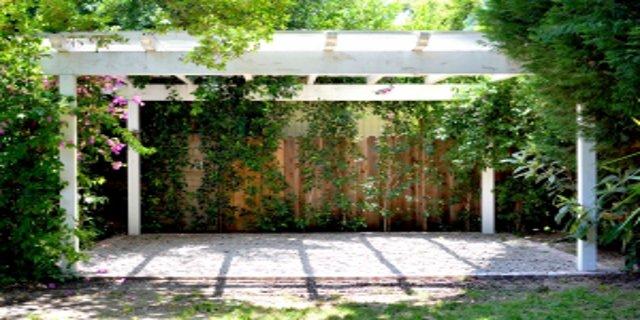 zahrada, zahradní dřevěné stavby, altány, pergoly