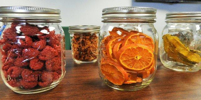 skladování potravin, kuchyně, špíz, komora, skříň napotraviny