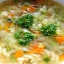 Domácí zeleninová směs bez konzervantů zdravě ochutí polévky i omáčky