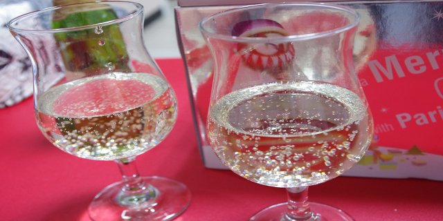 zdraví, alkohol, oslava, párty, pitný režim
