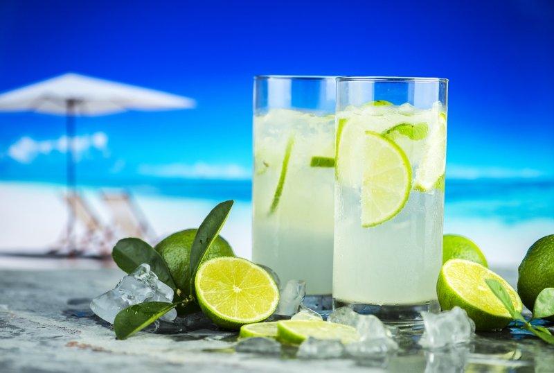 pitný režim, led, voda, nemoc, osvěžení