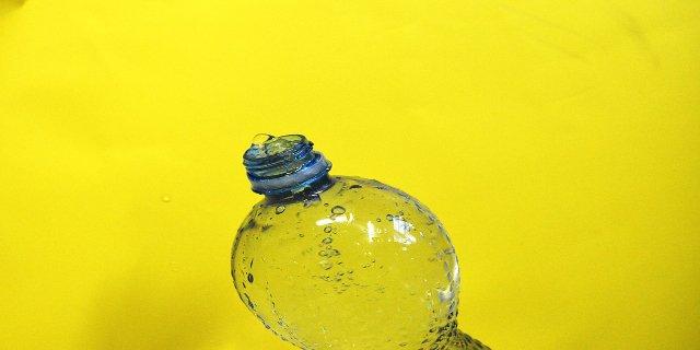 uchovávání potravin, toxiny, PET lahve