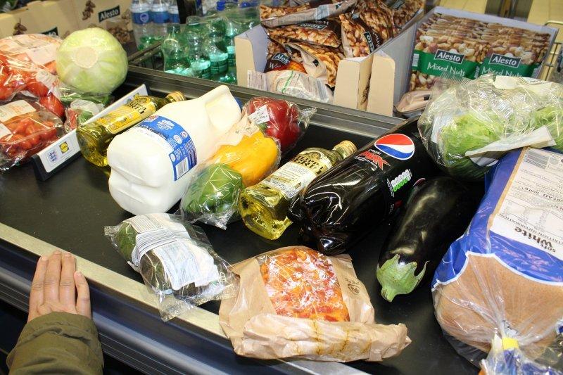nakupování, poraviny, šetření sjídlem, hlad, kompostování, konzervování potravin