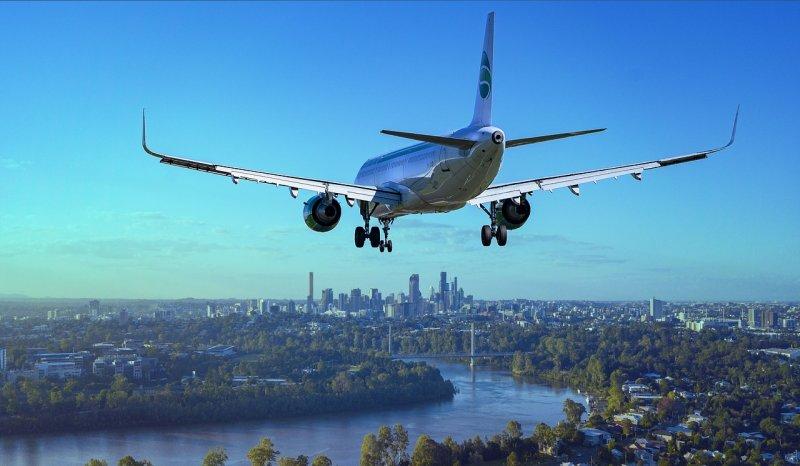 lert, létání, cesta letadlem, barotrauma, ochrnutí obličeje během letu, zdraví, dýchání
