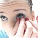 Manipulace s čočkami - barevné kontaktní čočky - video