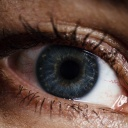 Operace spadlých očních víček aneb Když už dekorativní kosmetika nedokáže dělat zázraky