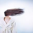 Péče o barvené vlasy, která zabrání vyblednutí barvy