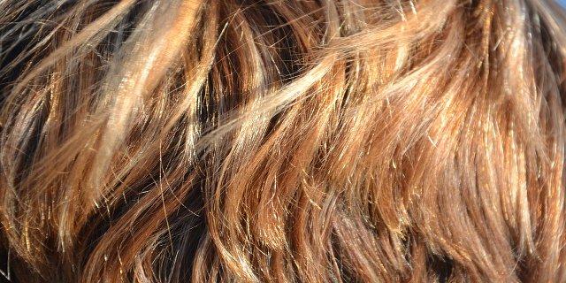 péče ovlasy, přírodní vlasová kosmetika, barva navlasy, zdraví